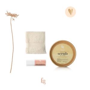 Cadeaupakket, face & bodyscrub, lippenbalsem, gezichtsdoekje - Feeling Goods